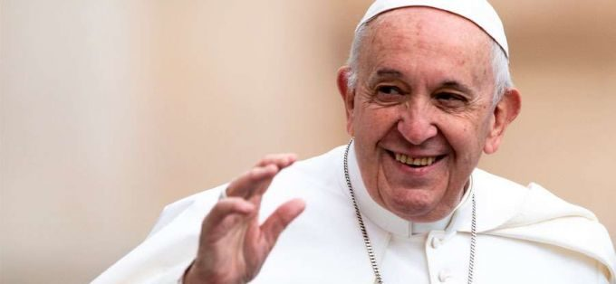 Papa pede que cristãos assumam missão de anunciar o Evangelho